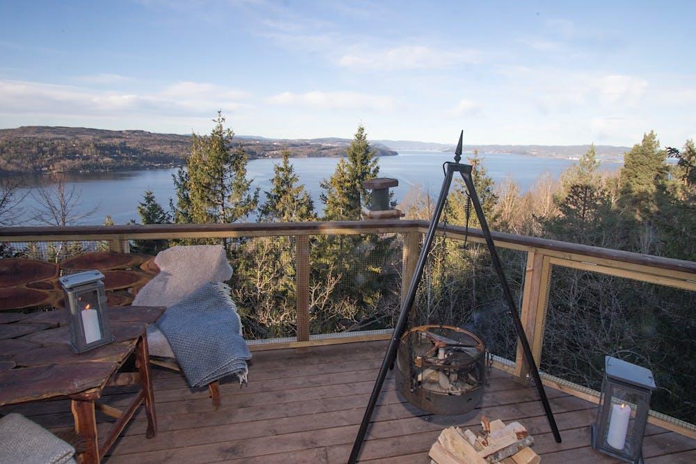 Falkeredet Utsikt Fra Terrassen Med Balpanne I Front